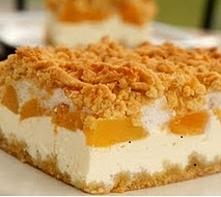 Sernik z brzoskwiniami Składniki na ciasto: •1 kostka masła/margaryny (250 g...