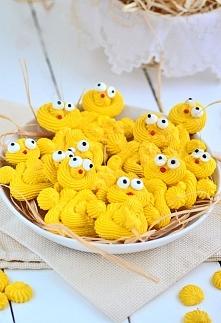 Bezowe kurczaki