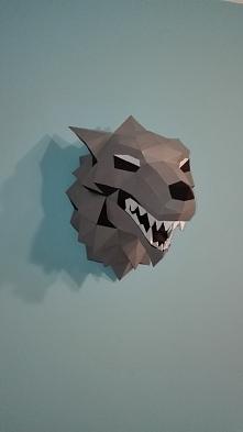 moj geometryczny wilk z papieru, dolaczyl do jelenia :)