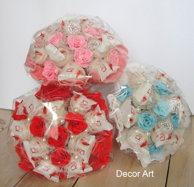 małe kolorowe bukieciki dla dzieci dla zainteresowanych podaję maila; edyta_26p@interia.pl