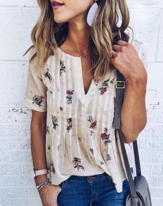 fc1240a466aaa0 Modne bluzki na wiosnę w super cenach: www . stylowkidlanastol.. na ...