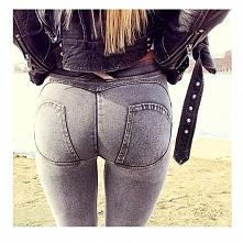 ala freddy jeans, leżą iden...