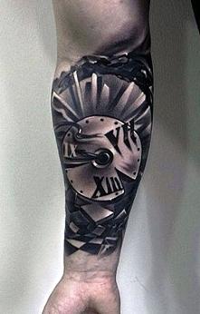 d zegar tatuaż na ręce