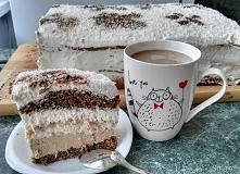Puszysta chmurka. Składniki: Biszkopt kawowy: 6 białek, 30g proszku do pieczenia, 1 1/2 szkl cukru, 1 łyżka octu, 6 żółtek, 1 1/4szkl mąki tortowej, 2kopiate łyżki kawy suchej B...
