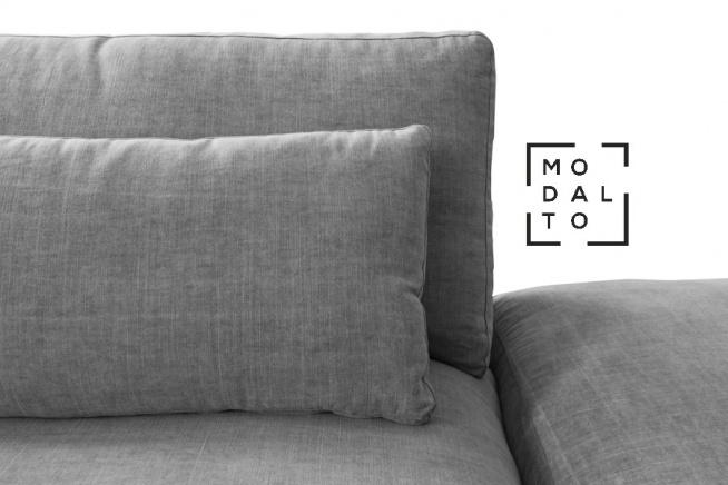 Narożnik TETRIS Modalto Concept Prostota i minimalizm cechują narożnik Tetris  Dzięki szerokim siedziskom i wypełnieniu z Pianki pur stanowi idealne miejsce wypoczynku Dostępny w ponad 25 próbnikach tkanin w pełnej gamie kolorystycznej Narożnik posiada zdejmowany pokrowiec, co przy zastosowaniu odpowiedniej tkaniny pozwala na pranie w pralce Zapraszamy do naszych salonów, gdzie można zapoznać się z pełna kolorystyką tkanin: Warszawa ul. wiertnicza 92 Janki, Al. Krakowska 12