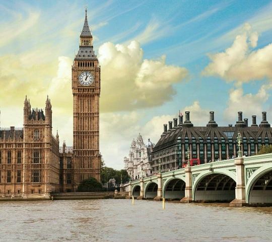 Jestem     w         Londynie.