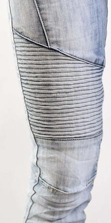 Musisz je mieć w swojej szafie! Hit tego roku - jasne jeansy z gumką na udach...