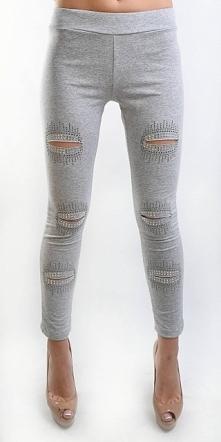 Świetnie dopasowujące się do sylwetki legginsy z modnym dziurami i cekinami. ...