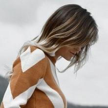 Marzysz o włosach, naturalnie rozświetlonych promieniami słońca? Możesz je mieć dzięki rozjaśnieniu sombre. Czym jest ta popularna koloryzacja, kto może z niej skorzystać i jak ...