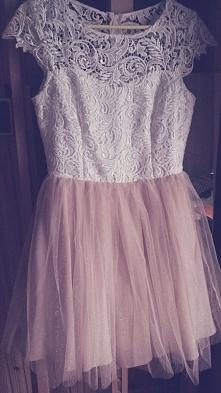 Szyta na miarę, piękna tiulowa sukienka! Założona raz, rozmiar 36/38, cena 25...