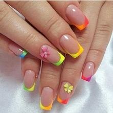 Odwiedź ladnepazurki.pl - poznaj modne inspiracje wzorów na paznokcie. Skomen...