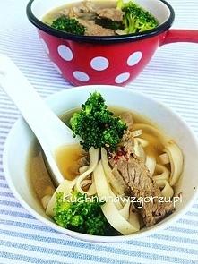 Zupa z wołowiną z brokułami - pyszna i zdrowa zupa. Przepis prosty, zapraszam na bloga kuchnianawzgorzu.pl
