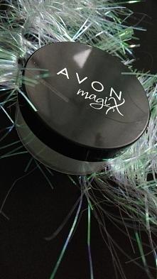UTRWALAJĄCY PUDER SYPKI MAGIX HD z Avonu: «doskonale utrwala makijaż, nie zmi...