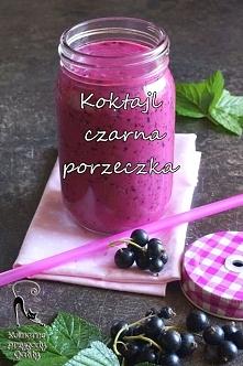 Koktajl wzmacniający na Majówkę ! <3  Składniki: garść czarnych porzeczek, 150 ml kefiru ( można użyć zamiennie mleka ryżowego, migdałowego itp ), łyżka stołowa nasion chia, ...
