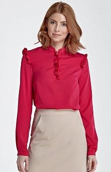 Nife B78 bluzka fuksja Elegancka bluzka, ozdobiona malutkimi falbankami na ra...