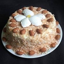 Dzień Słońca, a słońca brak :( Ale jest kokosowo-migdałowy tort z PATELNI! :)...