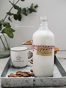 domowe mleko migdałowe wg Kingi Paruzel