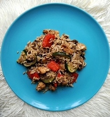 A dzisiaj na blogu przepis na fit obiad- grillowany kurczak z warzywami i brą...