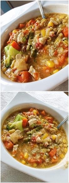 zupa warzywna :) ryz/kukurydza/pierś z kurczaka/marchew/brokuł/cukinia/por :)