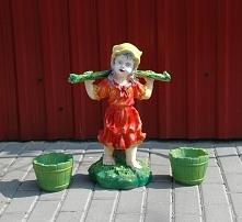 dziewczynka z wiaderkami