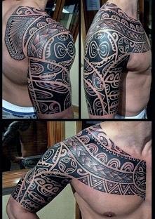 tatuaże męskie na pierś i ramie