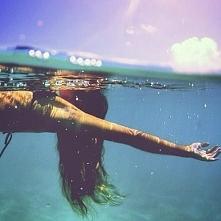woda, słońce, dziewczyna