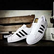 Superstar Adidas!