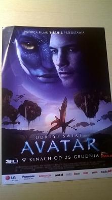 """Avatar (25 grudzień 2009)  Długo oczekiwany film Jamesa Camerona zrealizowany z wielkim rozmachem porównywalnym do """"Titanica"""". Szacowany budżet na poziomie 237 milionó..."""
