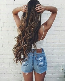 Wady i zalety posiadania długich włosów - LINK W KOM!