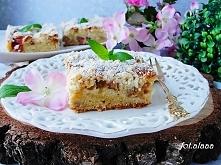 Ciasto na maślance z rabarbarem