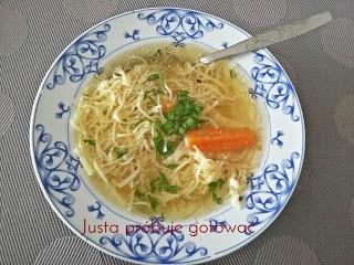 Drobiowy rosołek w sam raz na niedzielny obiad. Kliknij w zdjęcie by dowiedzieć się więcej !