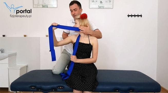Autoterapia szyi. Jak boli i nie można obrócić głowy, to taka technika na pewno pomoże.