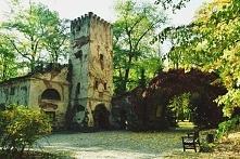Park Romantyczny w Arkadii (woj. łódzkie)- park został założony przez  Helenę z Przeździeckich w 1778 roku w stylu angielskim