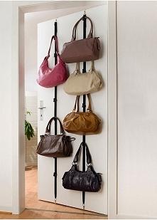 Pomysłowy wieszak na torebki ;)