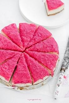 SERNIK WANILIOWY Z RÓŻOWYM RABARBAREM Składniki na spód:  160 g ciastek maśla...
