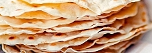 TORTILLE Przepis na tortille pszenne SKŁADNIKI 2 szklanki mąki pszennej 1/2 ł...
