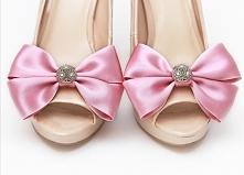 Zastanawiasz się, jak odmienić swoje szpilki ślubne? Klipsy do butów rozwiążą...