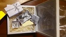 Pudełko na prezent pamiątka Pierwszej Komunii Świętej.