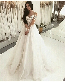 Wedding dress *,*