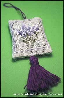 Poduszeczka z lawendą - haft krzyżykowy