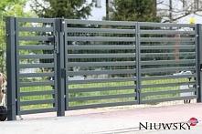 Nowoczesna brama dwuskrzydłowa na wspólnym słupie z furtką. Model Horizontal ...
