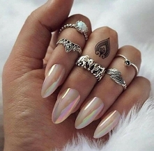 lustro paznokcie