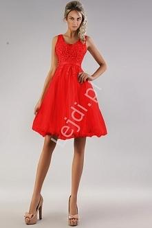 Czerwona tiulowa sukienka l...