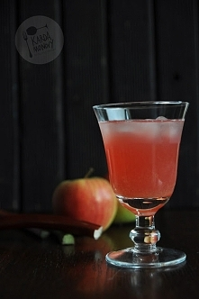 Kompot z rabarbaru i jabłek