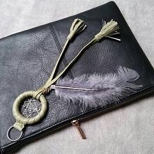 Ręcznie wykonana zawieszka do torebki - łapacz snów.. Fb: Moni Handmade Ig: @...