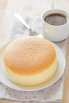 Przepis na sernik z 3 składników: 3 sporej wielkości wiejskie jajka1 tabliczk...
