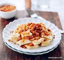 Najlepsze leniwe  ardzo smaczne i proste kluski leniwe, które sprawdzą się na obiad w leniwą sobotę :)  250 g tłustego białego sera 125 g mąki pszennej 1 jajko 2 łyżki masła 2 ł...