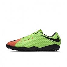 W dobrej cenie 115 zł można kupić aktualnie buty piłkarskie męskie na nawierz...