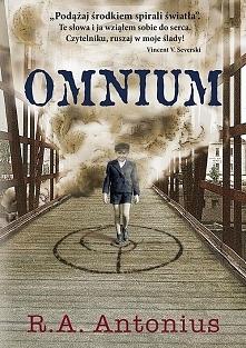 """""""Omnium"""" to książka o powrocie do normalności i o próbie poradzenia..."""