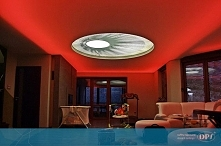 Odważna realizacja DPS w prywatnym domu - sufit napinany z podświetleniem i g...